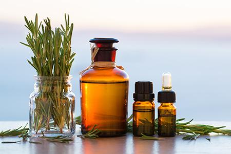 Масла и олия в кухнята и в банята