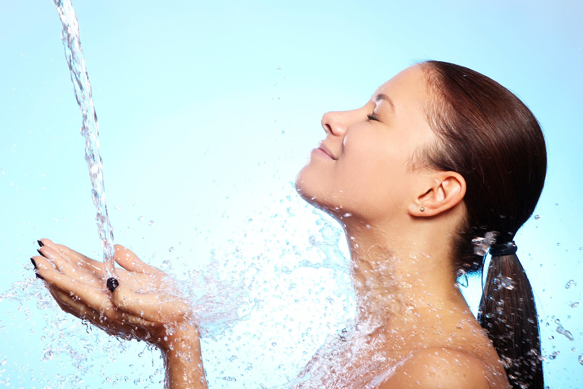 От какво най-много се нуждае вашата кожа? От хидратацияi!